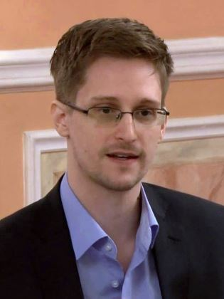 Edward Snowden, 2013 (photo by https://www.youtube.com/user/TheWikiLeaksChannel)